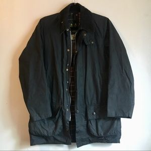 Barbour Beaufort waxed jacket in NAVY.